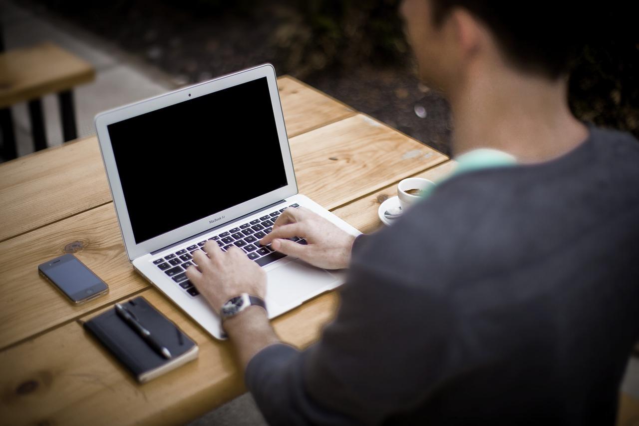 ブログマーケティングとは?メリットやポイントも解説